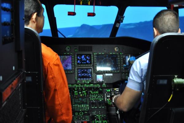 O simulador das aeronaves H225, versão civil e militar, foi inaugurado hoje nas instalações da Helibras no RJ