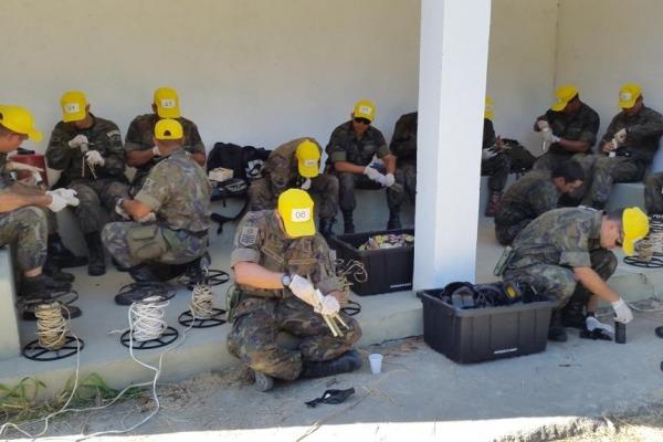 Explosivos são empregados em madeira e concreto   PAMB-RJ