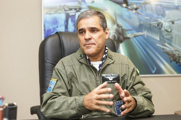 Caças A-29 Super Tucano e A-37 Dragonfly realizaram missões simuladas de interceptação