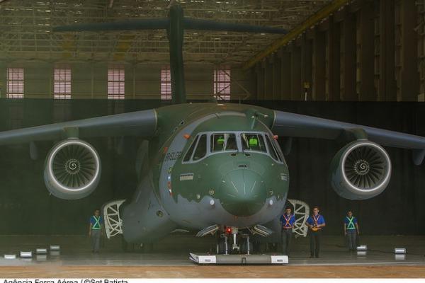 Próximo passo no desenvolvimento da nova aeronave da FAB é testar a aerodinâmica com portas e superfícies abertas
