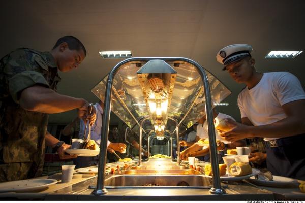 O café-da-manhã começou a ser servido às 4h  Sgt Batista