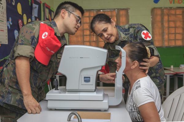 No total, 82 profissionais de saúde se revezaram no fim de semana na comunidade a 60km de Brasília
