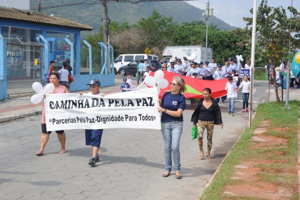 Evento reuniu cerca de 250 crianças e foi realizado no domingo (21/09), quando é celebrado o Dia Internacional da Paz