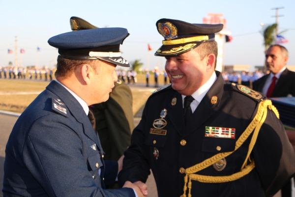 Coronel Studart recebendo a homenagem  S1 Hélio