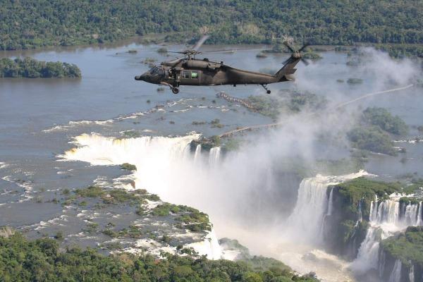 Evento em Foz do Iguaçu (PR) debateu questões de segurança de voo com profissionais argentinos e paraguaios