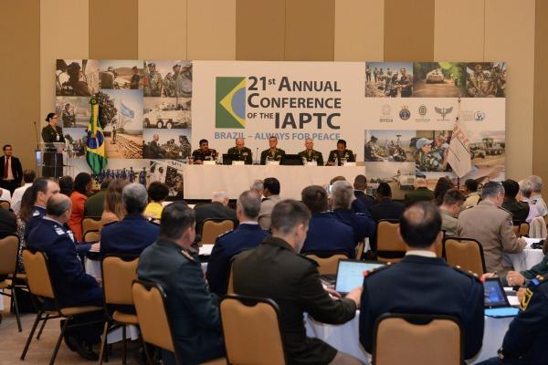 Em Brasília, encontro reúne cerca de 200 participantes de 52 países até quinta-feira (01/10)