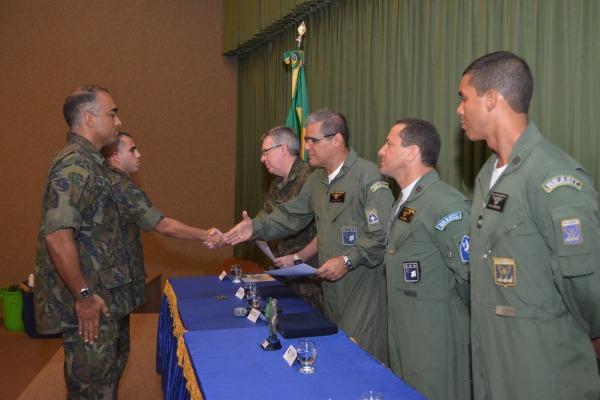 Entrega de premios aos primeiros colocados  Sgt Clemente