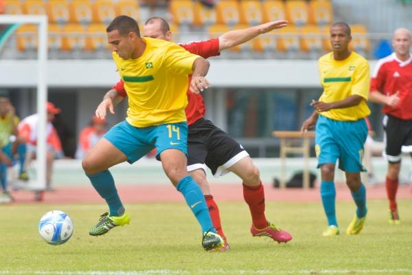 A equipe brasileira passou pelo Canadá com o placar de 3x0
