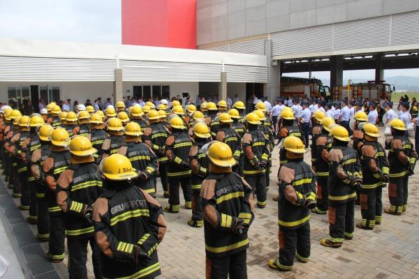 Militares da Aeronáutica da Seção Contra Incendio   Sold Queiroz/BASP