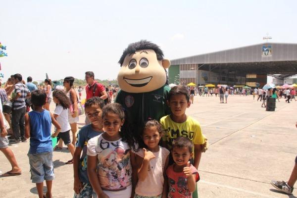Produtos serão doados a dez instituições de assistência social da capital amazonense