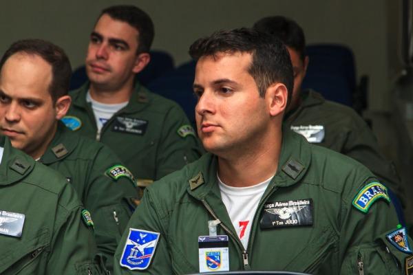 Piloto da Força Aérea de Moçambique também participou do curso de uma semana em Natal (RN)