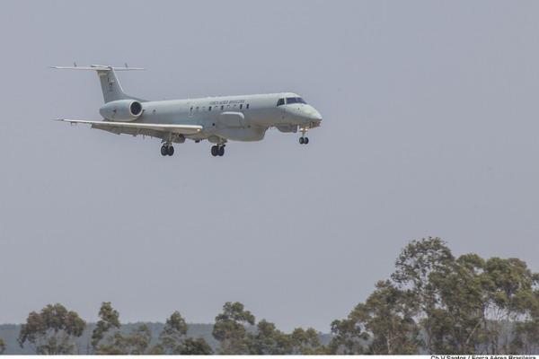O evento promovido pela Infraero reuniu 115 profissionais da comunidade aeronáutica no RS