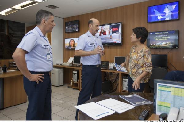 Fernanda Melazo visitou os vários setores de relacionamento da Aeronáutica com a sociedade brasileira