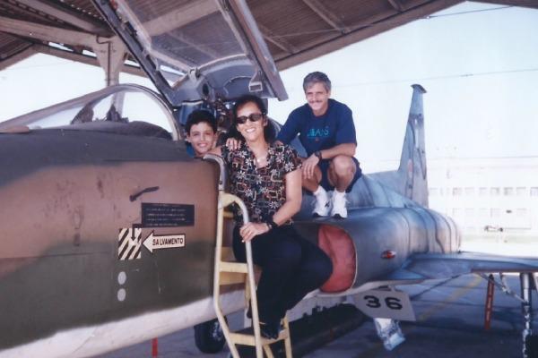 Veja como familiares influenciam as escolhas dos pilotos da FAB