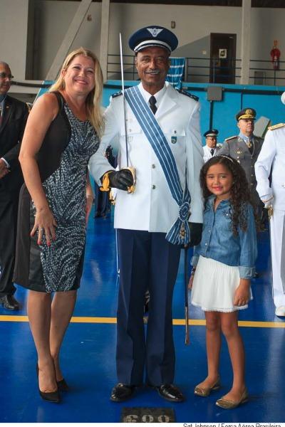 Tenente Brigadeiro do Ar, Raul Botelho com a família  Sargento Johnson Barros/Agência Força Aérea