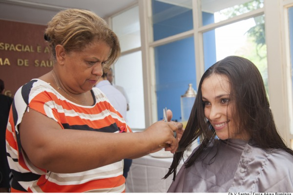 Motivada pela ação Outubro Rosa, campanha já contou com a adesão de várias voluntárias
