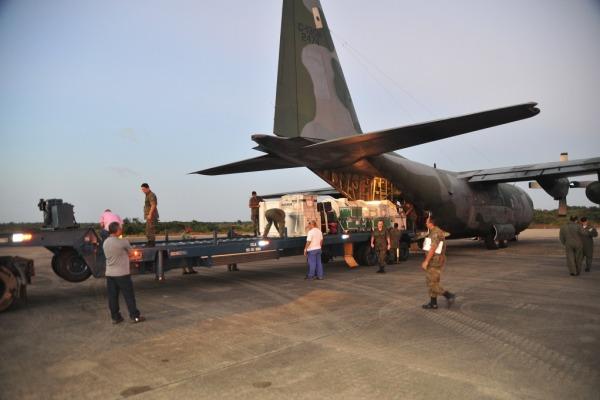 Descarregamento do VS-40M V03 SARA em Alc�ntara