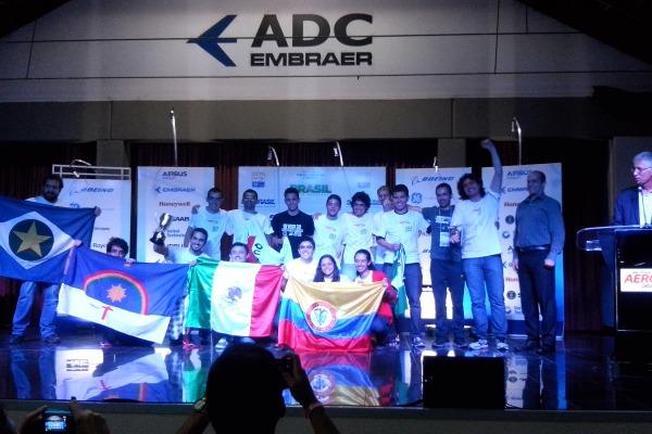 Competição reuniu universitários da área de engenharia do país