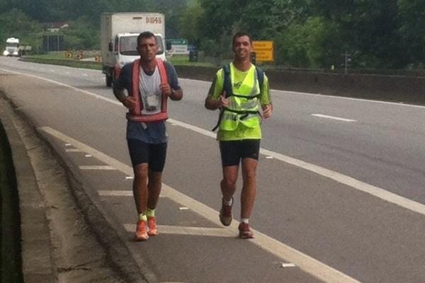 Em sua última maratona, o militar percorreu 270 km em 52 horas