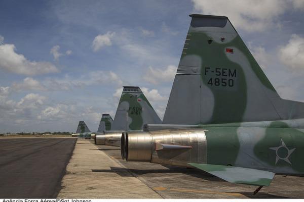 Caças F-5 prontos para missão na UNITAS  Cb André Feitosa / Agência Força Aérea