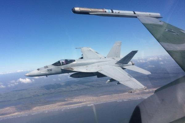Combates aéreos entre FAB e Marinha dos Estados Unidos acontecem no Sul do País