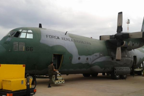 Uma aeronave será empregada no incêndio, podendo levar até 12 mil litros de água
