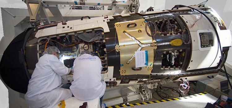 Pioneira no Brasil, formação integra esforço de especializar profissionais na área espacial