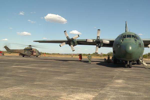 Um helicóptero Super Puma vai ajudar no transporte de brigadistas para áreas de difícil acesso