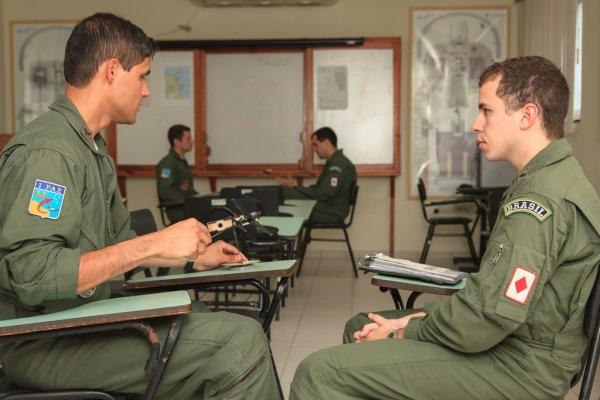 Unidade que coordena especialização nas aviações de caça, patrulha, transporte e asas rotativas completou 10 anos