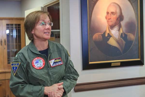 Almirante Lisa Franchetti comanda frota dos EUA no exercício UNITAS