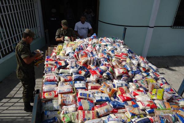 Na BAFZ foram arrecadadas seis toneladas de alimentos não perecíveis que foram d  BAFZ