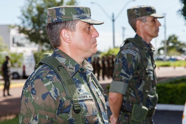 Novos comandantes assumiram Brigada de Defesa Antiaérea e Subchefia de Segurança e Defesa nesta quarta-feira (25/11)
