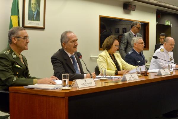 Ministro defendeu mais recursos para os projetos estratégidos das Forças Armadas