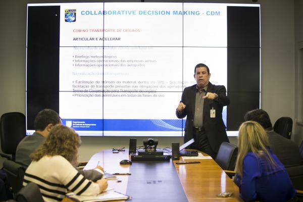 Visita técnica da comitiva ao CGNA  Fábio Maciel/DECEA