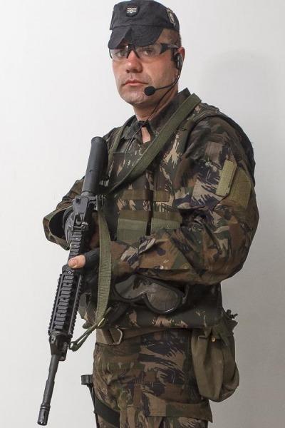 Sgt Goulart iniciou a cerreira como soldado  Sgt Johnson/CECOMSAER
