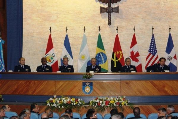Mesa de Honra da diplomação CPEA e CCEM  SO Tostes/ECEMAR