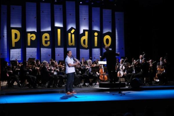O clarinetista ganhou uma bolsa de estudos de música no exterior e um concerto como solista