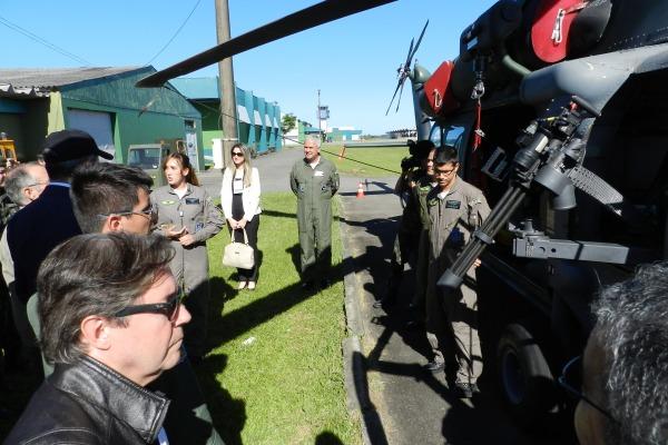 Aeronaves A-1, RQ-450 e H-60 Black Hawk operam a partir da Base Aérea de Santa Maria