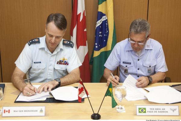 Documento prevê intercâmbios nas áreas de busca e salvamento, comando e controle, segurança de voo e participação da FAB no exercício operacional Maple Flag