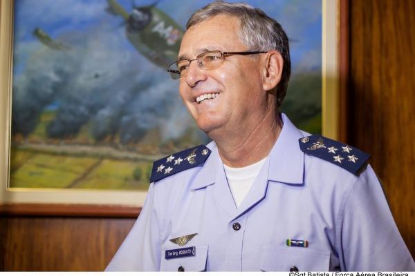 Tenente-Brigadeiro do Ar Nivaldo Luiz Rossato ressalta dedicação dos militares para cumprir a missão da Força Aérea