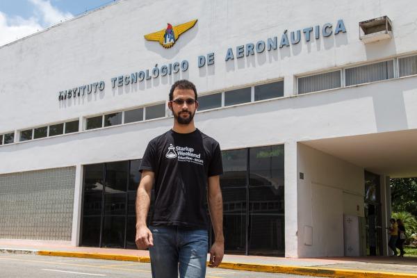 Cerca de 90 alunos vão se formar engenheiros no próximo sábado (19/12) em São José dos Campos (SP)