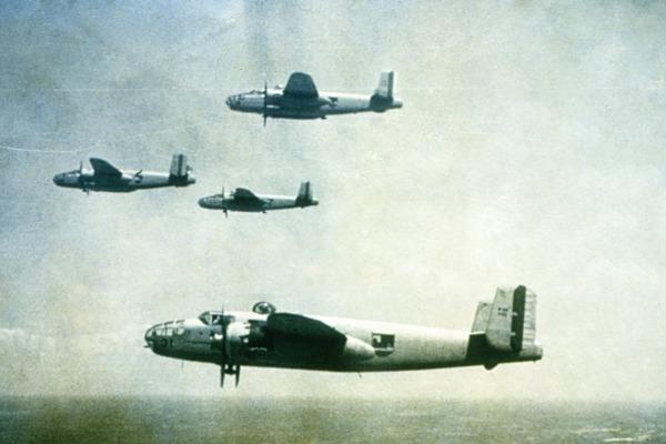 Exatamente um ano após ser oficialmente criada, a Força Aérea Brasileira teve seu batismo de fogo