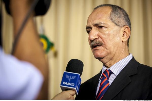 Ministro da Defesa anunciou novas medidas para combate ao mosquito. 60% do efetivo das Forças Armadas será engajado