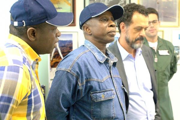 Visita da Força Aérea de Mali à Fumaça  Sgt Ribeiro