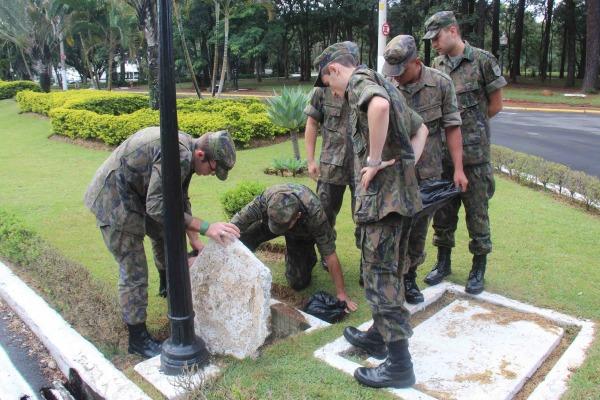 Militares da BASP combatem focos de proliferação  S1 Queiroz/BASP