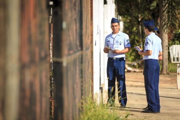 Militares orientaram a população sobre o combate ao vetor causador da   dengue, zika e chikungunya