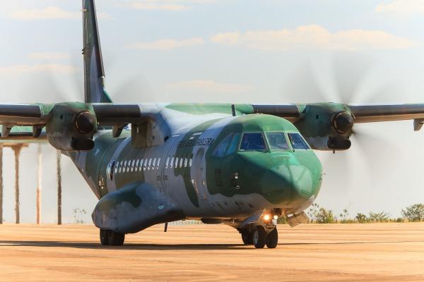 Mecânicos de A-29 Super Tucano de Campo Grande também são formados para a manutenção do C-105