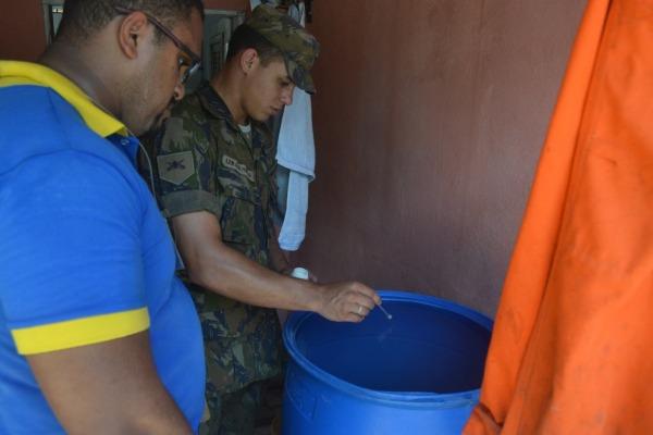 O larvicida foi colocado reservatórios não vedados  2T Juliana Lopes
