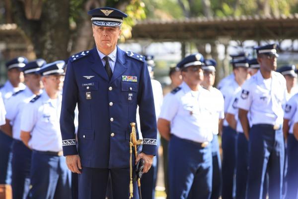 Entre os desafios do novo cargo, o oficial-general vai ajudar a coordenar a defesa aérea durante os jogos olímpicos