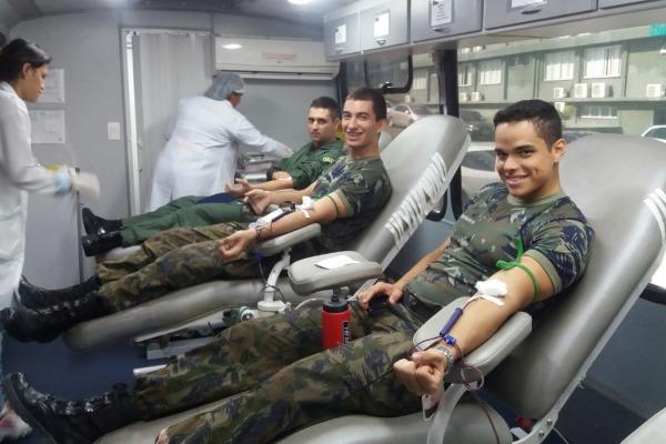 Militares de Manaus doaram sangue   Tenente Evangelista